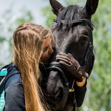 Jak Wiktoria Bulska i Kary poznali Masters Polska pasza dla koni?